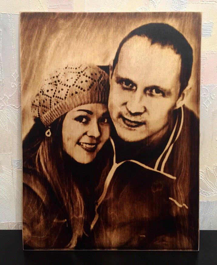 выжигание портретов по дереву на заказ в Иркутске